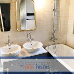 Renovare integrala baie, cada reconditionata, chiuveta pentru 2 persoane, hidroizolatie baie